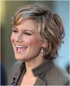 hairstyles for women over 50 with round faces and curly hair