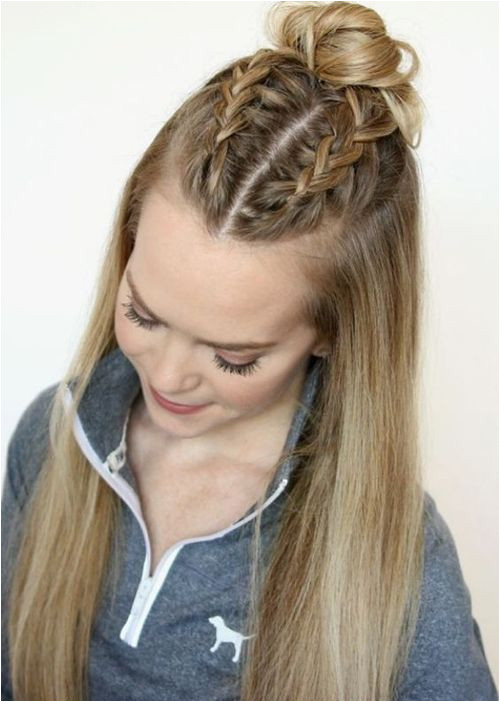 Half Up And Half Down Long Prom Hairstyles to Get An Inspiring Look