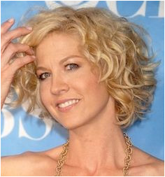 Short hairstyles for women over 50 with round faces Round Faces Square Faces Curly