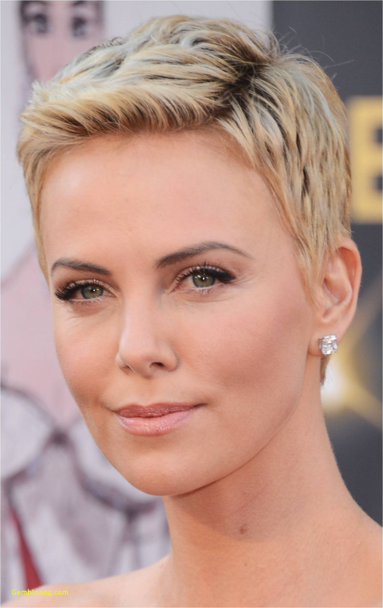 Great Short Hairstyles Lovely S S Media Cache Ak0 Pinimg 736x 0d 8e 59 In Addition Happy