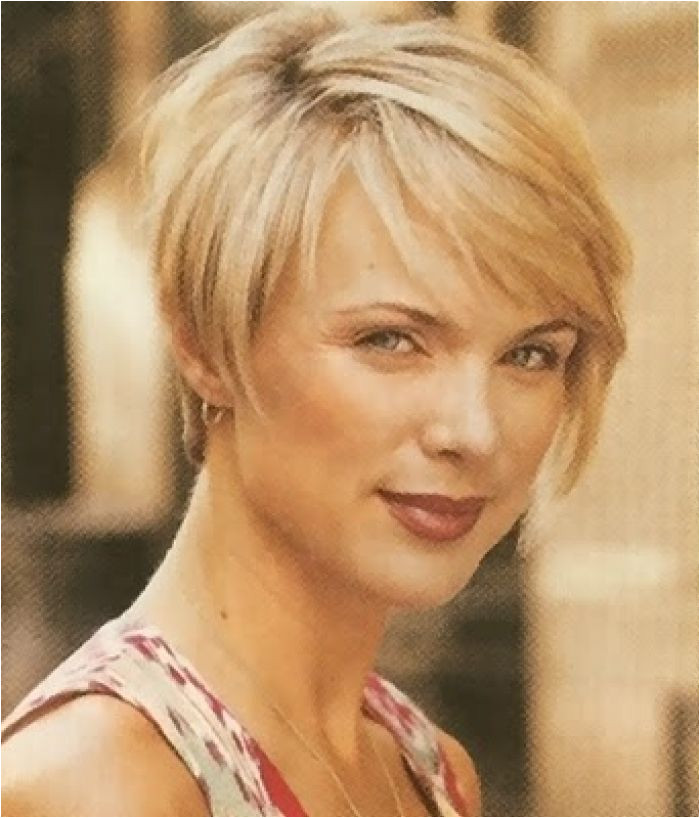Medium Hairstyles for Women Over 40 with Fine Hair and round face Short Hairstyles Women Over 50 Beauty tips