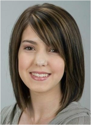 medium length hairstyles round face over 40