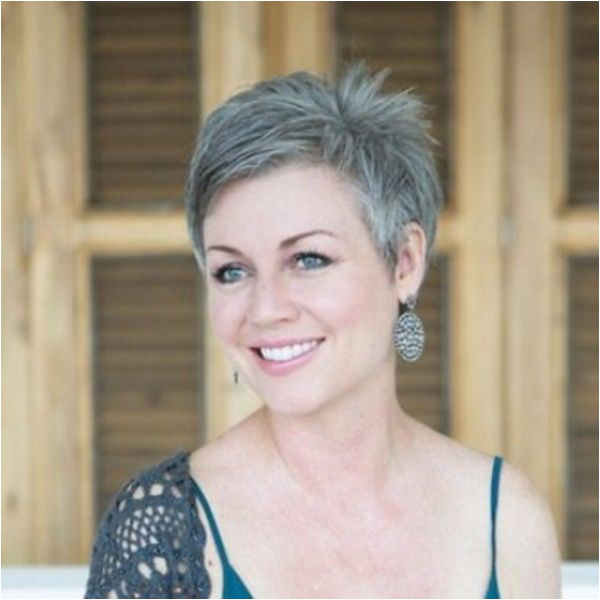 45 Natural Grey Hairstyles for Women of Every Age