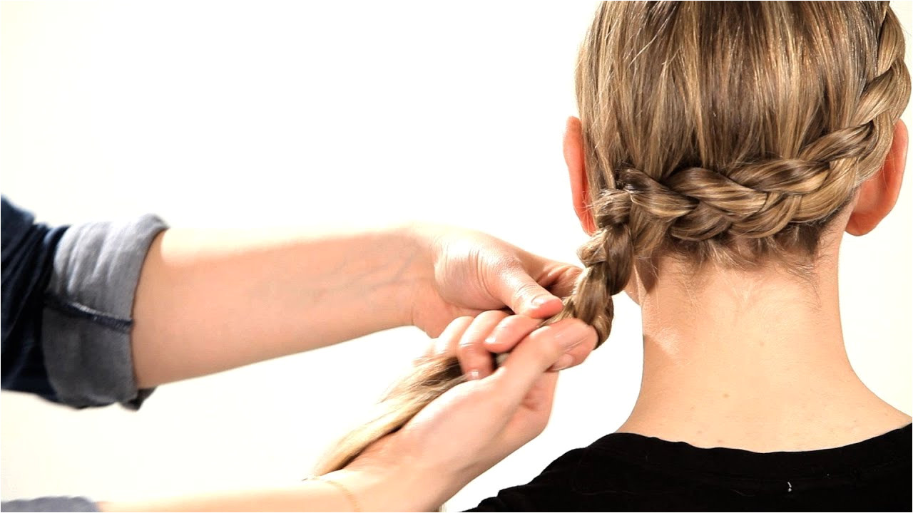 How to Do a Side Dutch Braid