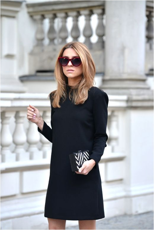Katarzyna Tusk is wearing a dress and a purse from Zara and sunglasses from ASOS fashion style i like Pinterest