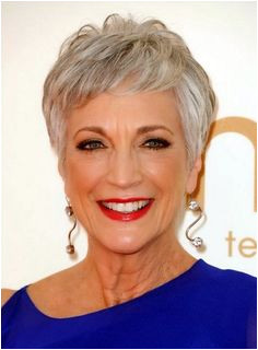40 Anti Aging Short Hairstyles for Older Women
