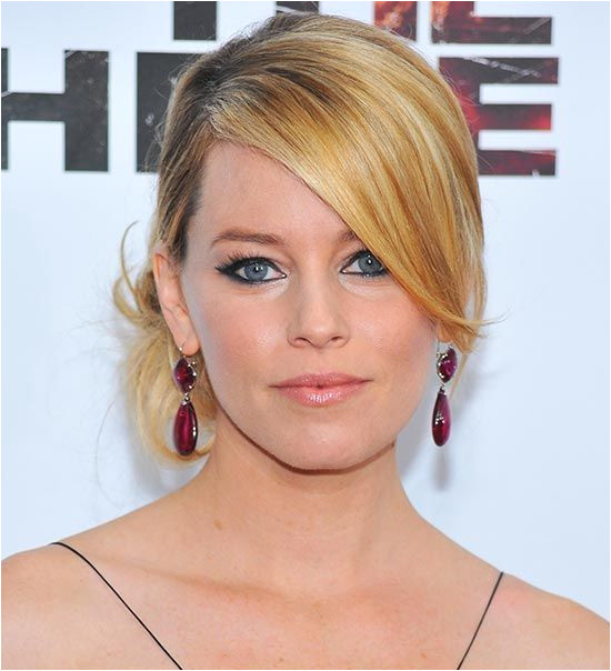 25 Hairstyles To Slim Down A Round Face Fat Face Haircuts Hairstyles For Fat Faces