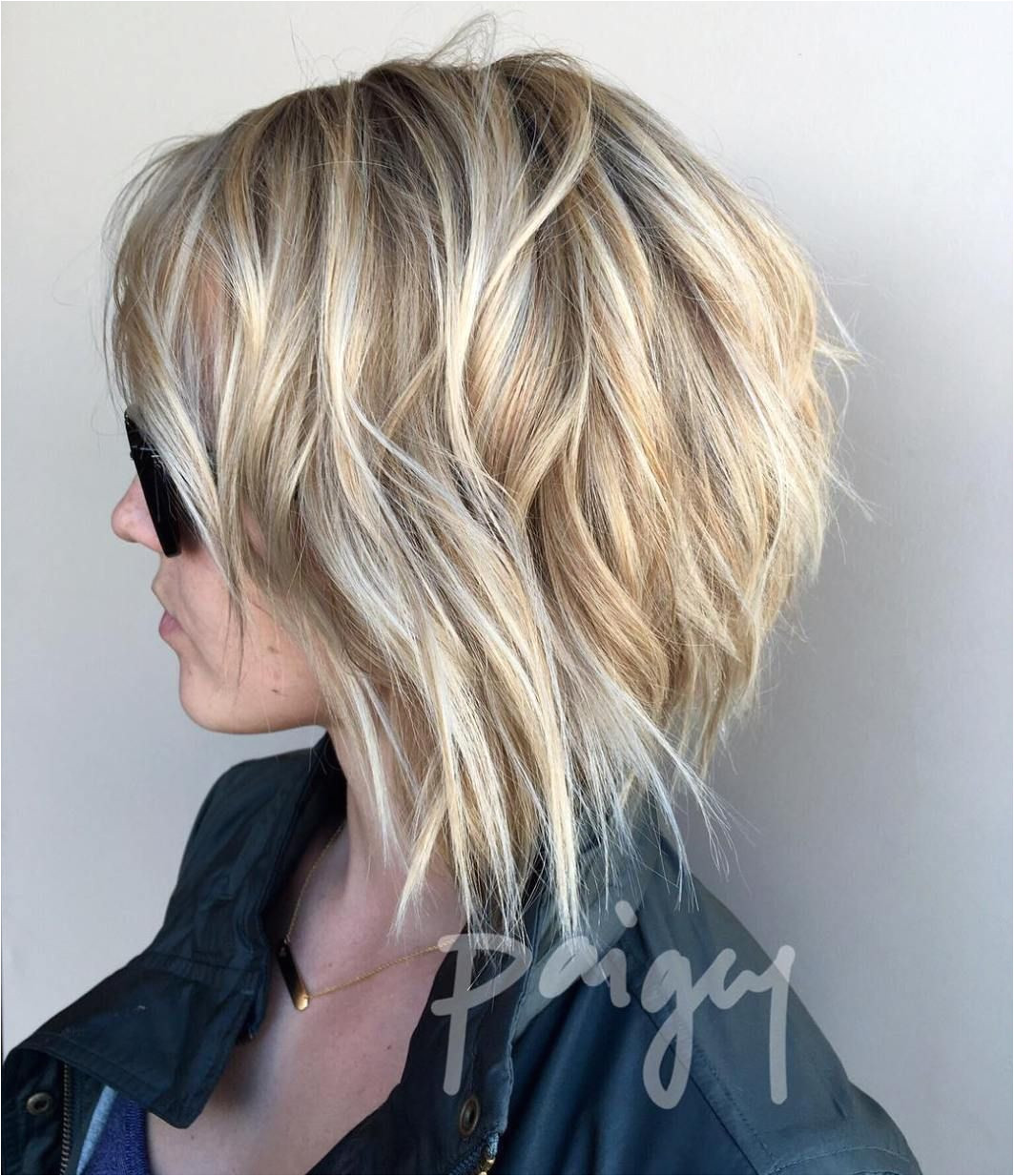 Tousled Bob With Honey Blonde Balayage Choppy Bob Hairstyles Prom Hairstyles Hairstyle Ideas