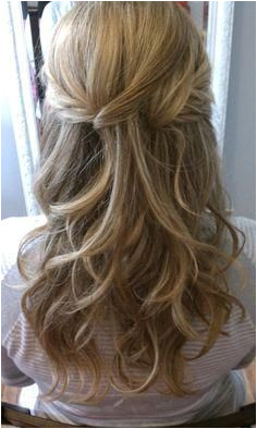 easy thin half up half down weddinghairstyleshalfuphalfdown