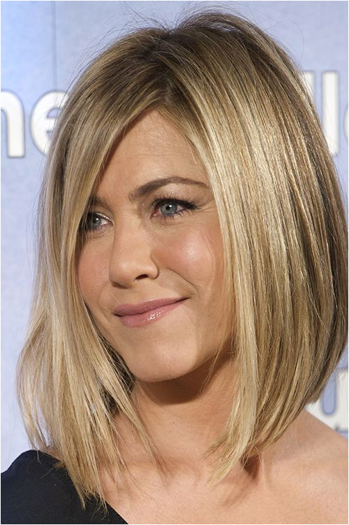 Jennifer Aniston Chops f Her Hair after Brazilian Blowout Disaster Daily Makeover