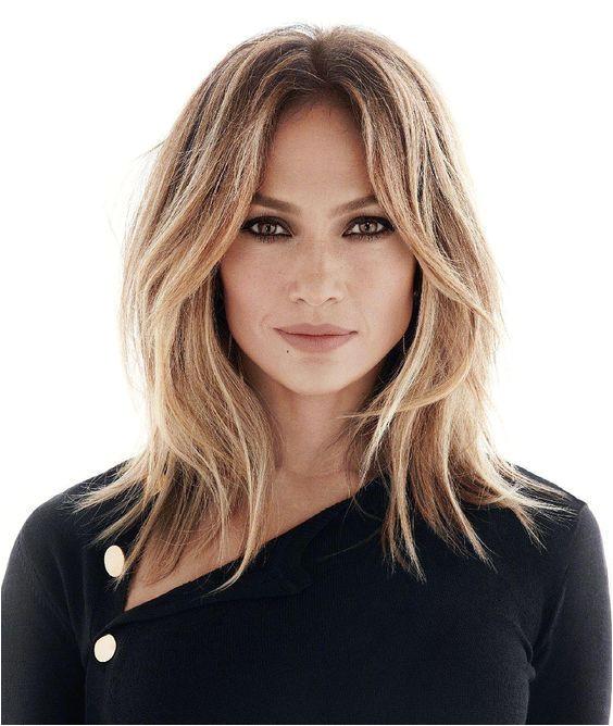 Jennifer Lopez s Middle Parted Blonde Hair