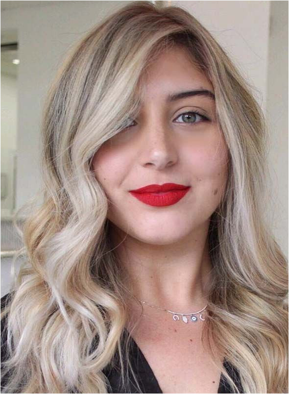 Looking for most popular wavy hairstyles See here our amazing ideas of long wavy hairstyles