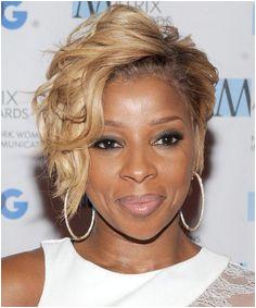 Mary J Blige Hairstyle Short Wavy Formal Medium Blonde on the image