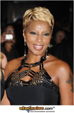 Mary J Blige Short Straight Formal Hairstyle – Blonde Hair Color … finest mary j blige hairstyles pi