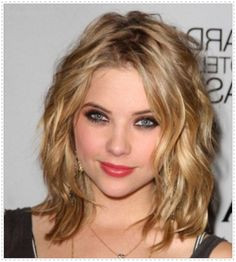 Medium Hairstyles for Curly Hair Round Face 25 Best Medium Hairstyles for Round Faces Images
