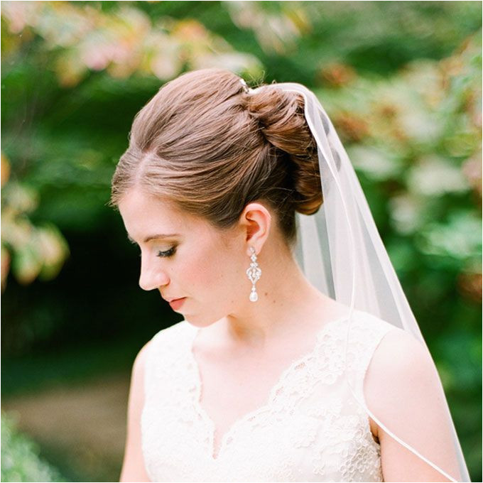 27 Wedding Hairstyles That Work Well With Veils Wedding Hair Make up Pinterest