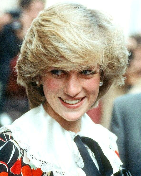 10 Hairstyles Your Mum Had Growing Up Diana Fashion Real Princess
