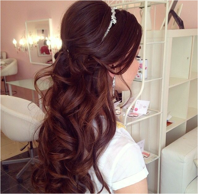Quince Hairstyles Prom Hairstyles For Long Hair Half Up Wedding Hair Curls Wedding