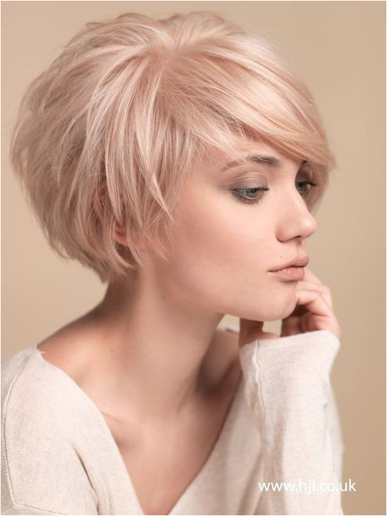 Good Haircuts For Thick Hair Awesome Short Haircut For Thick Hair 0d Charming