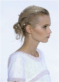 elegant pearl hairpins on wet look hair at Chanel SS12 runway show Laufstegfrisur