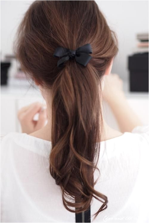 Simple Hairstyles Bow Simple and Cute Hair with A Bow and Curls