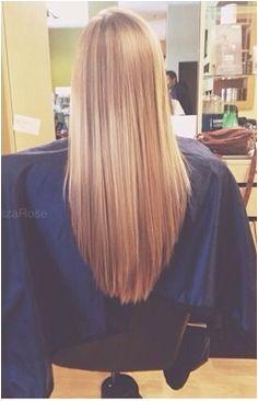 """v cut"" haircut Looks great with long hair Ca me semble"