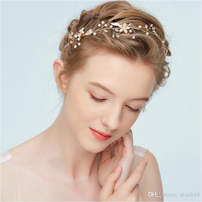 Boho Gold Floral Headpiece Pearls Hair Jewelry for Bride Wedding Headband Bridal Hair Accessories Handmade Bridesmaid Hairband Bridal Headband Wedding Hair