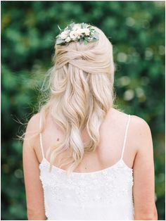 17 Gorgeous Half Up Half Down Wedding Hairstyles