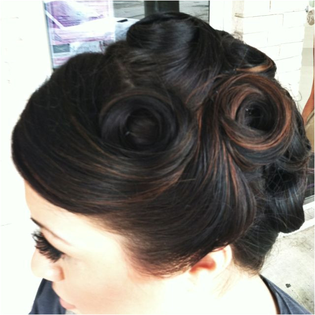Vintage Updo Soooooo cute i think i just might have to try