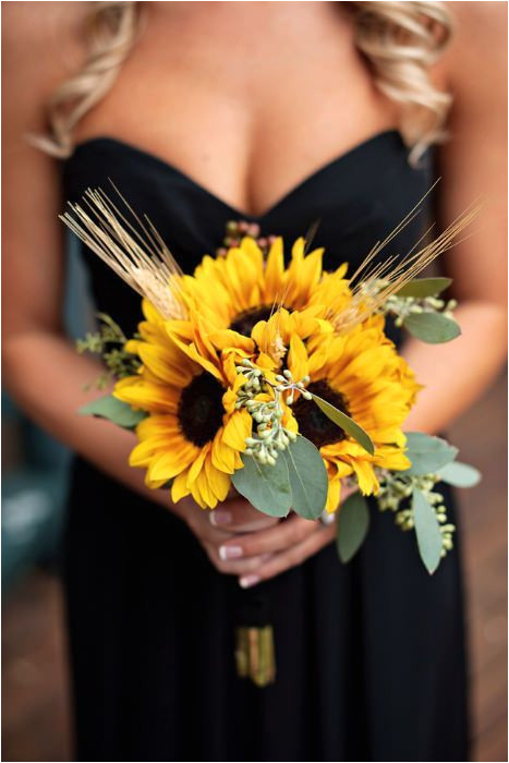 A Summer Bouquet of sunflowers Source Fab You Bliss weddingflowers sunflowers