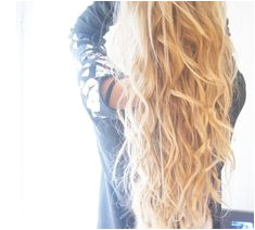 Now can you believe it takes less than 15 minutes to create this style Wavy HairBlonde