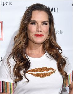 Brooke Shields Flowing Waves Hairstyles For Women Over 50 With Fine Hair s