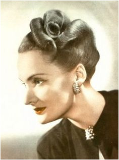 1940 s hair Historical Hairstyles 1940s Hairstyles Braided Hairstyles Pin Up Retro Makeup
