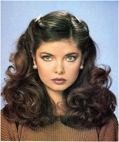 Vintage Hairstyles 70s Hairstyles 80s Haircuts 70s Hair And Makeup 1970s Makeup