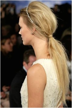 3 Wedding Hairstyle Ideas With How Tos Straight From the Runway