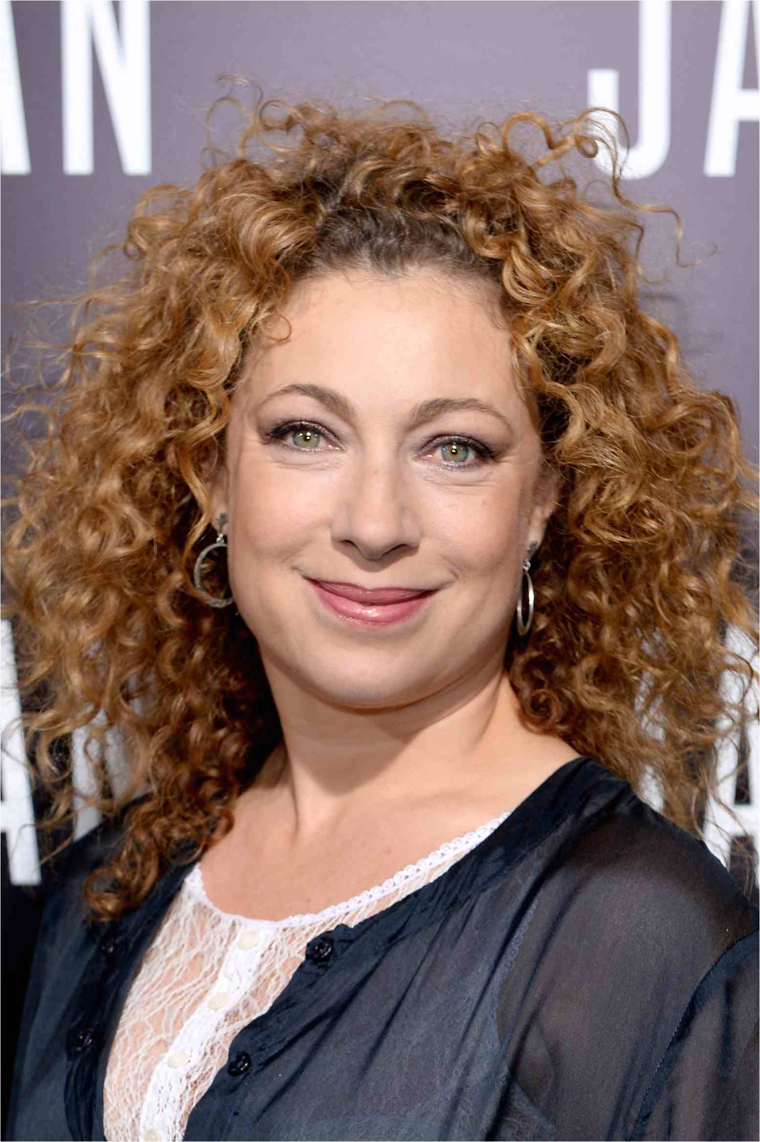 Alex Kingston curly hairstyles 56a0869d3df78cafdaa