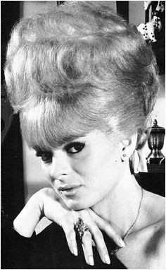 Lusty Beehive 1960s Hair Bouffant Hair Teased Hair Retro Hairstyles Classic Hairstyles