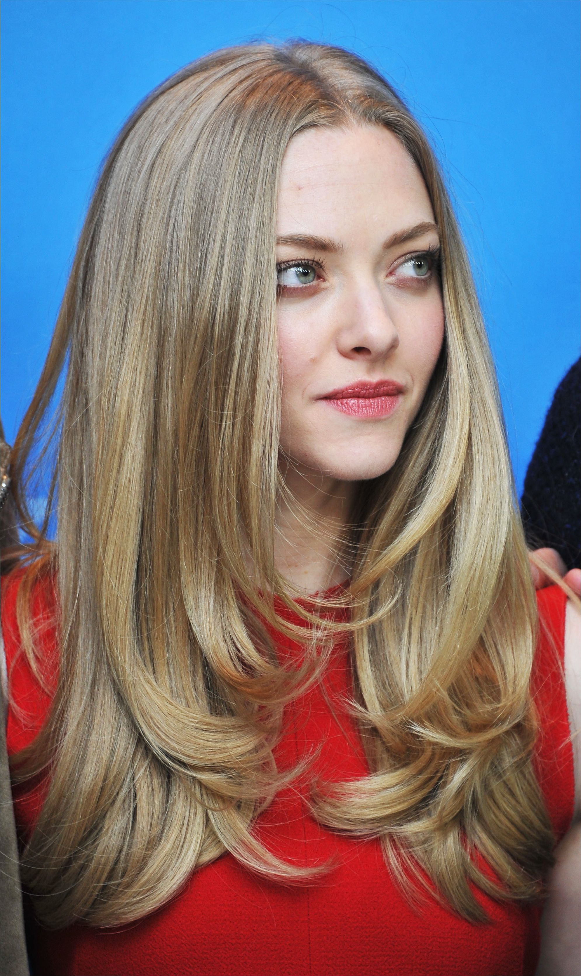 amanda seyfried blonde hair 56a084a65f9b58eba4b