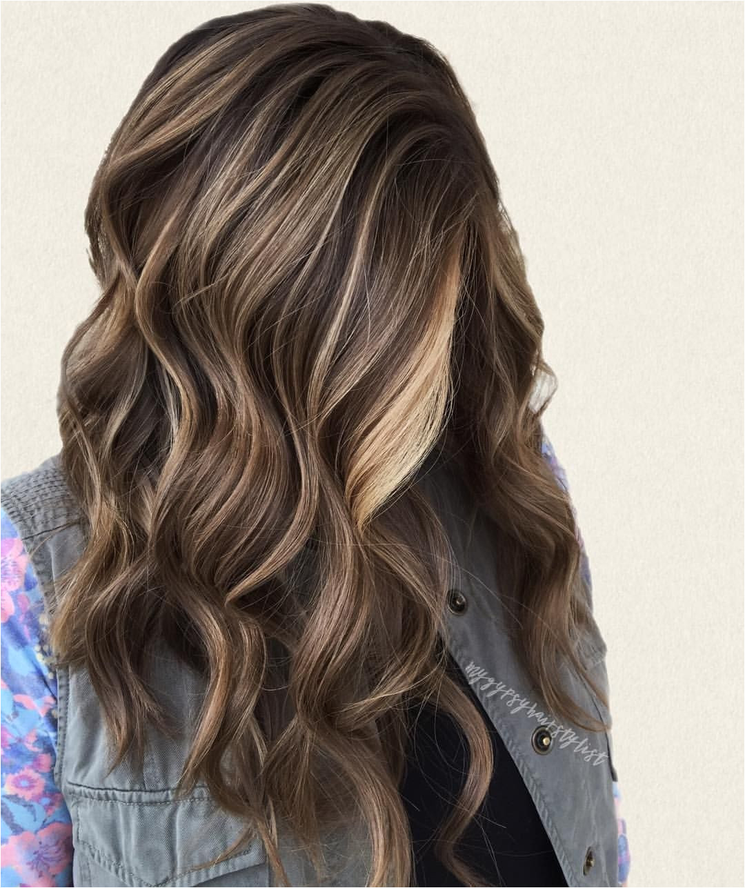 Balayage brunette lived in hair color natural hair color beach waves pretty hair INSTAGRAM mygypsyhairstylist