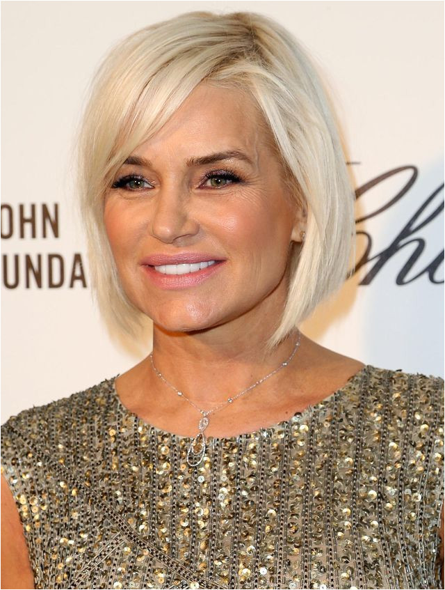 Hairstyles That Make You Look 10 Years Younger Grow Out Your Bob Into a Long Bob