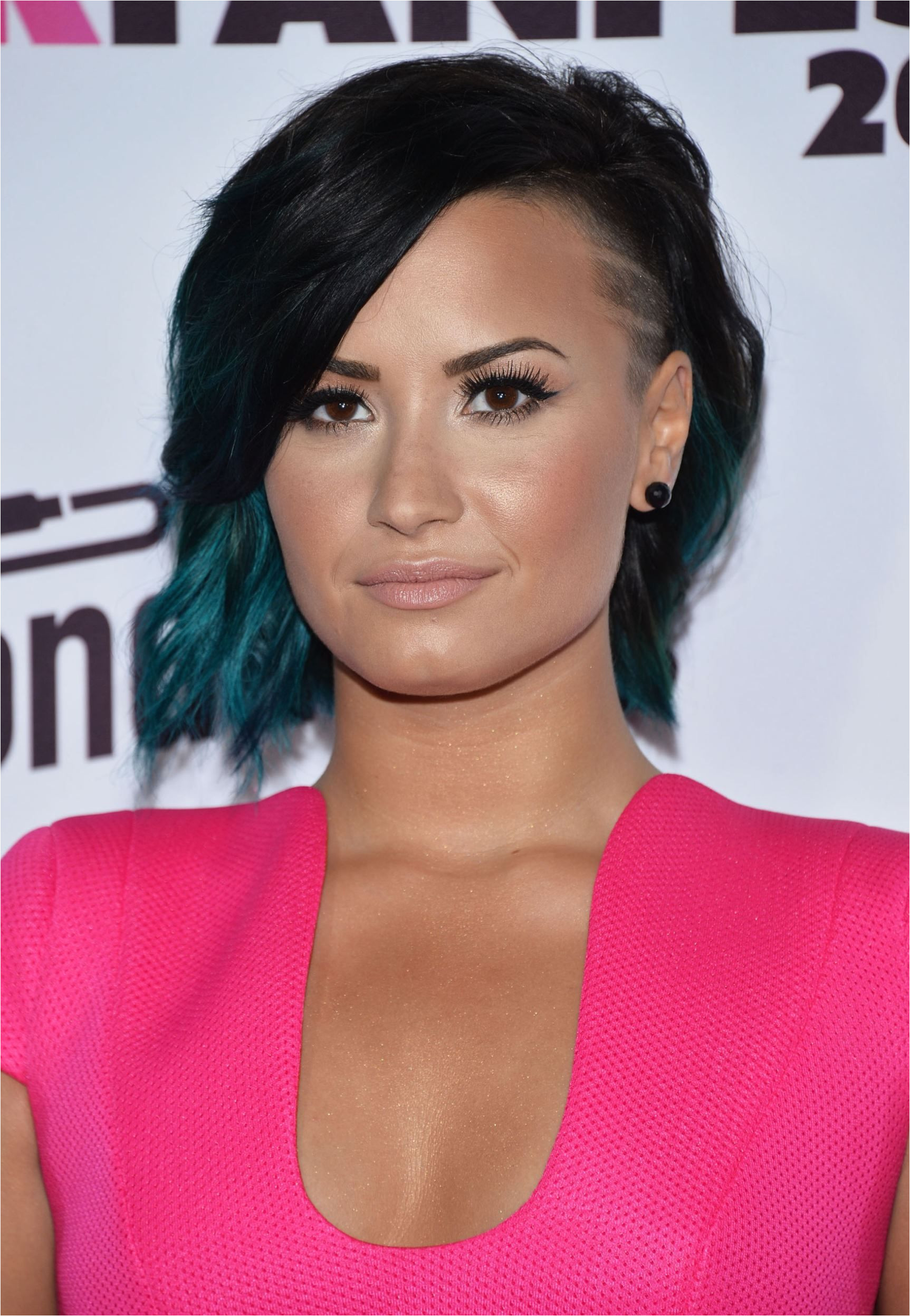 Preeeeeetty Our Favorite Celebs with Rainbow Hair Demi Lovato in Teal Ombre