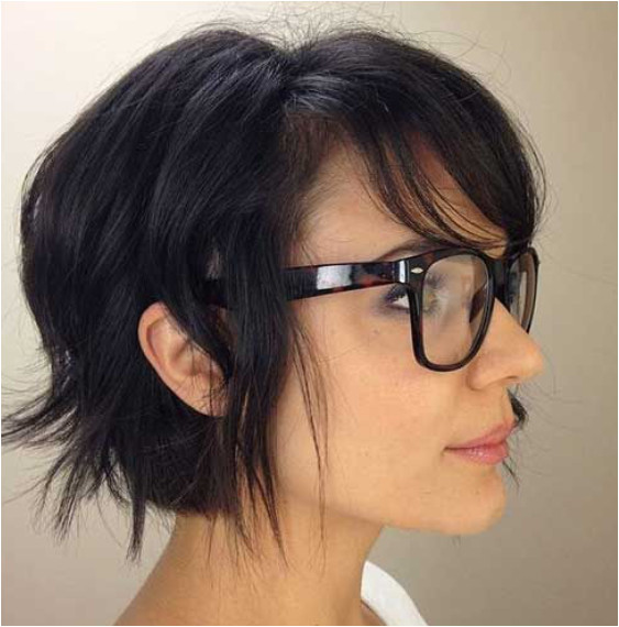 Adorable textured bob on medium to fine textured hair Side swept bang