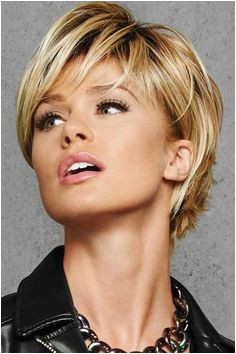 Bob Hairstyles Jowls Best Haircut for Over 50 Woman with Jowls and Hooded Eyelids