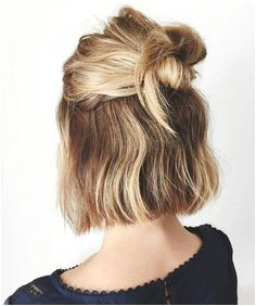 Blunt nape length bob back to school haircuts for fall