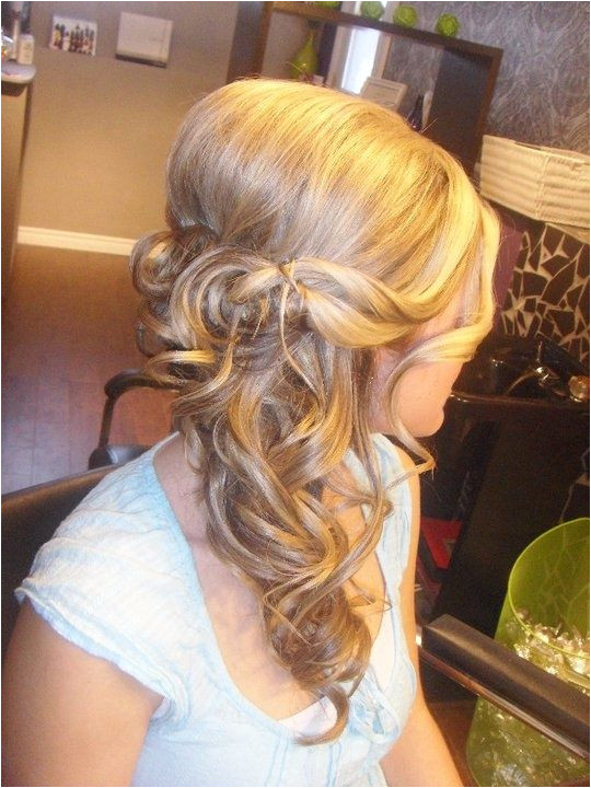 ce17a2c e63bf235ff7b7 540—720 pixels Bridesmaid Hair Side Bun Bridal Hair Side Swept