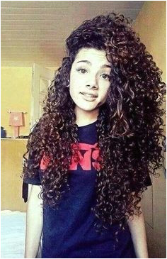 15 Ultra Chic Long Curly Hairstyles for Women