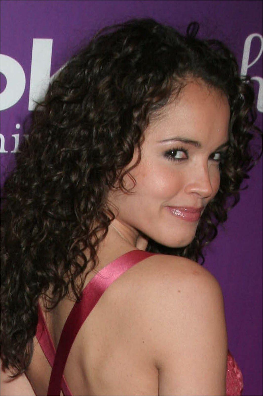 Medium Curly Hairstyles Black Women