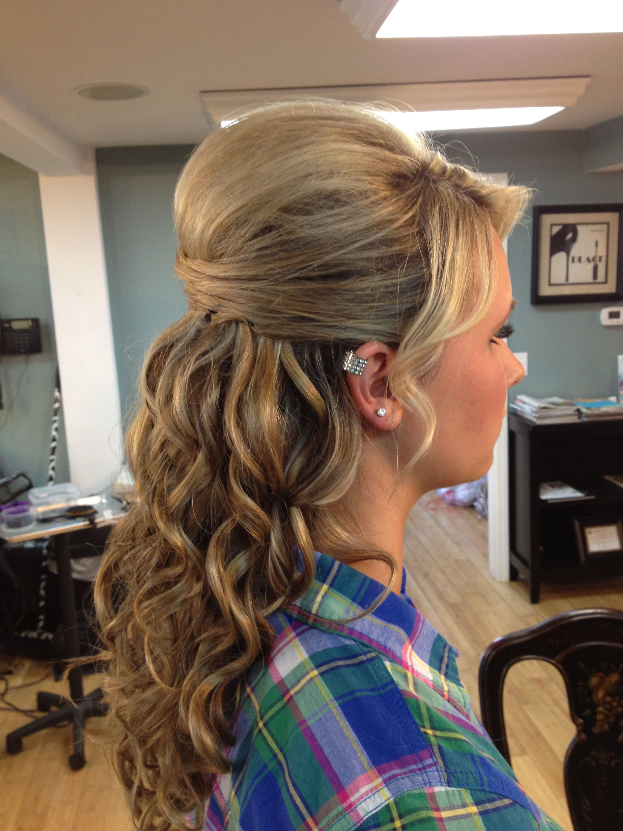 Prom Hair Love the top but would make it an updo
