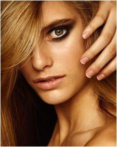 of fashion model Josefina Cisternas ID