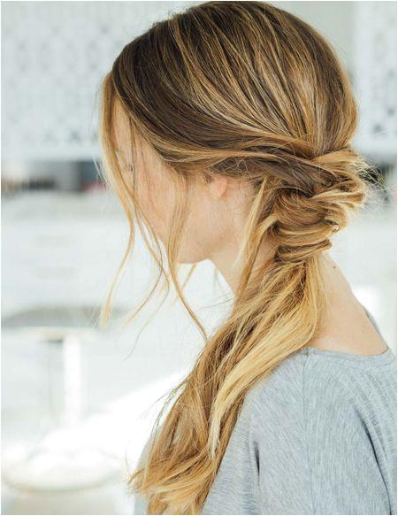 Messy ponytail is a life saving hack for those women s and students It is effortless and less time consuming which look stylish and is trendy also